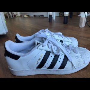 Adidas Superstar 5.5